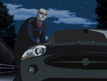 Shot S3E6 yuge with his car.jpg
